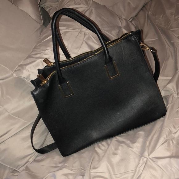 5c97f717f2c7 H M Handbags - Structured black tote  purse